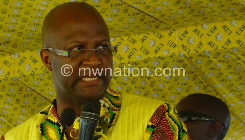 To go it alone?: Muluzi