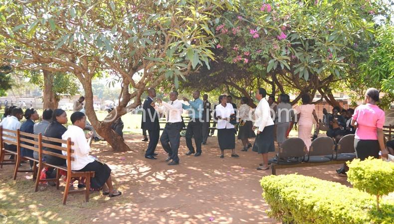 Lilongwe judiciary support staff striking on Monday