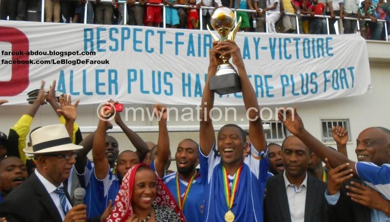 Fomboni players celebrating victory