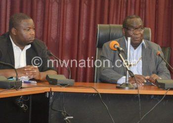 Gondwe (L) and Nankhumwa at the press briefing