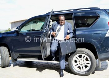 Gondwe arriving arriving at Parliament