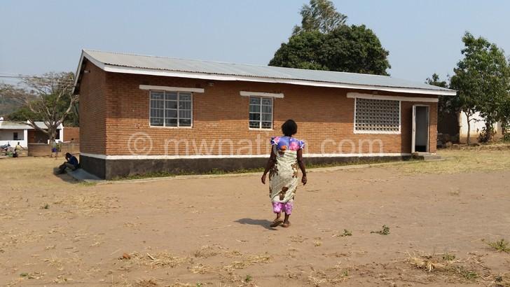 Ngolongoliwa court whose construction communities monitored