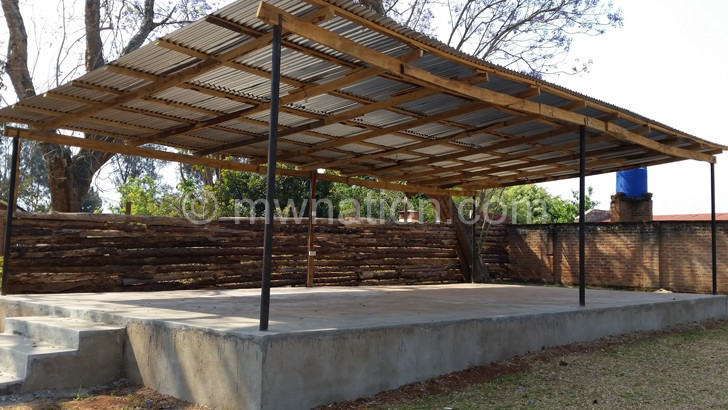 The new spacious stage at Mzuzu Lodge
