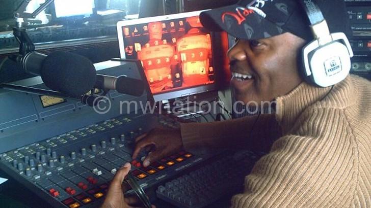Kalindawalo on the console at MBC Radio 2