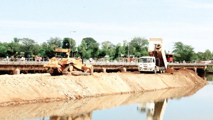 Workers on Kamuzu Barrage in a dash to meet the deadline