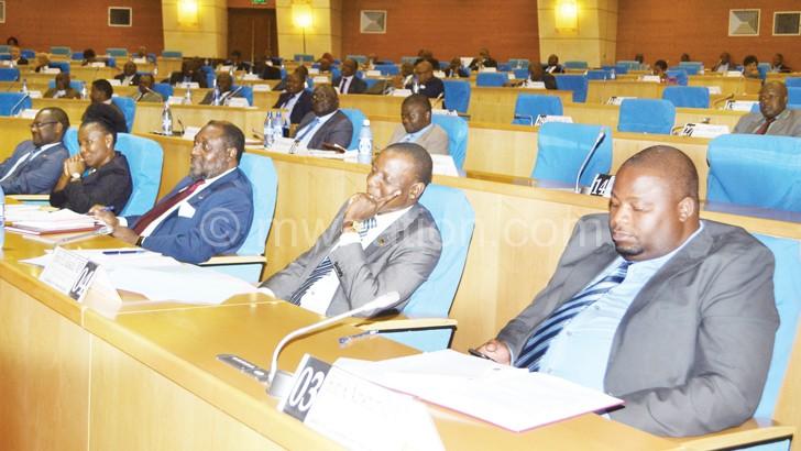 Nankhumwa addresses fellow legislators in the House