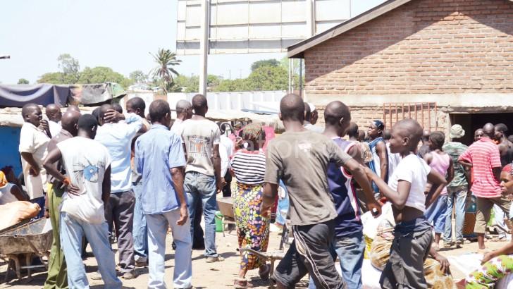 Mwayi womaliza: Ogula feteleza ndi mbewu za sabuside chaka cha mawa  adzadzigulira okha