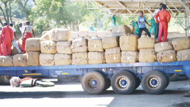 Tobacco transporters allegedly receive bribes from growers