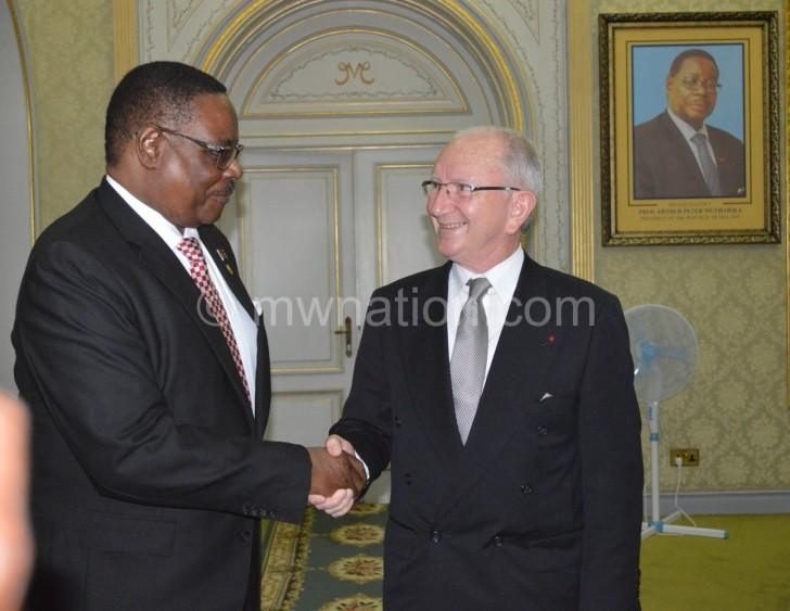 Mutharika meets the Belgian Ambassador Cartier