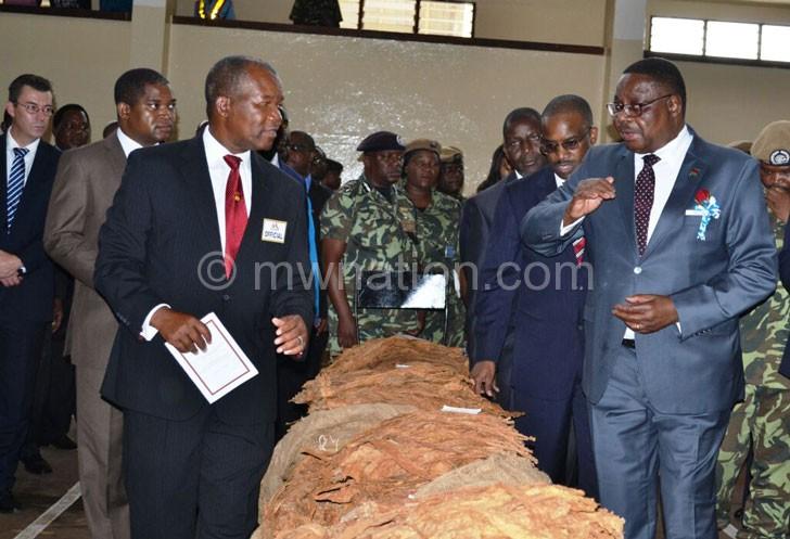 TCC officials brief Mutharika at Chinkhoma Floors in Kasungu