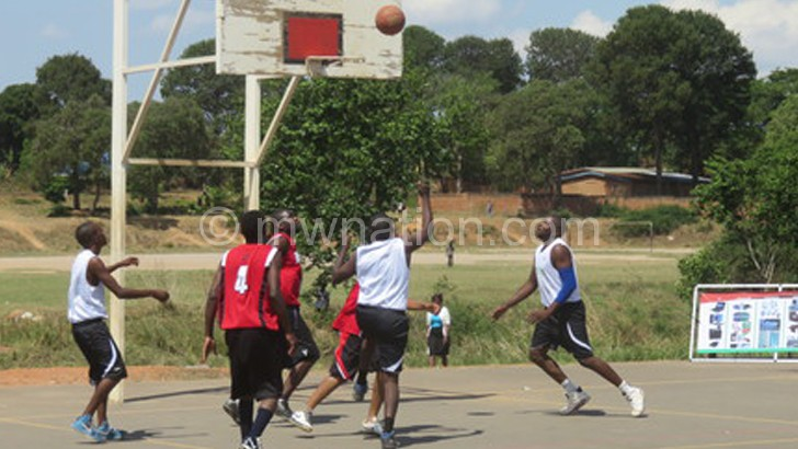 Guests: Brave Hearts (in red) playing against Pistons