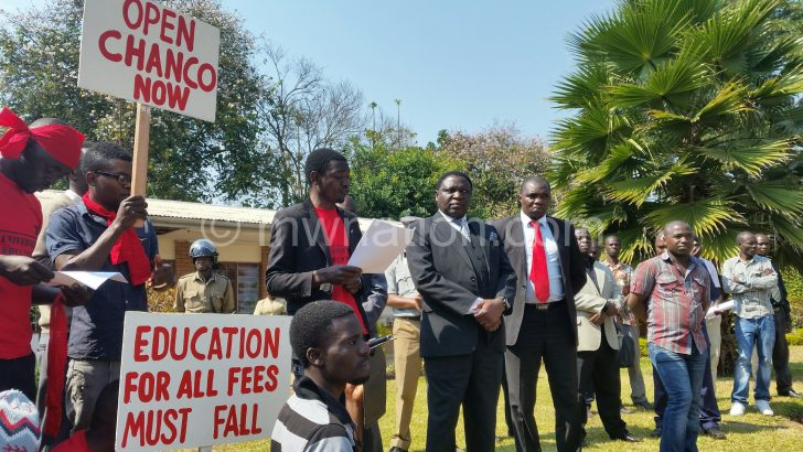 Unima student marchers demonstrating against the fee hike