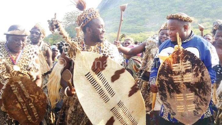 Inkosi ya Makhosi M'mbelwa V (L) in an Ingoma jive