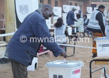 An elderly man votes in the May 2019 elections