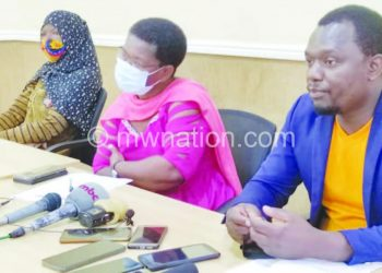 Mwale (R) and other officials that addressed the media on Saturday